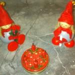 Tonttus und Adventskranz